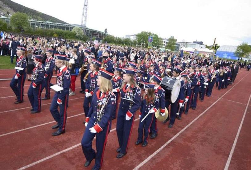 Høvik og Lier Skolekorps 17. mai 2015